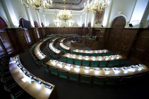 Valsts iestāžu 2014.gada TOP 10 iekļuvušas vien divas ministrijas