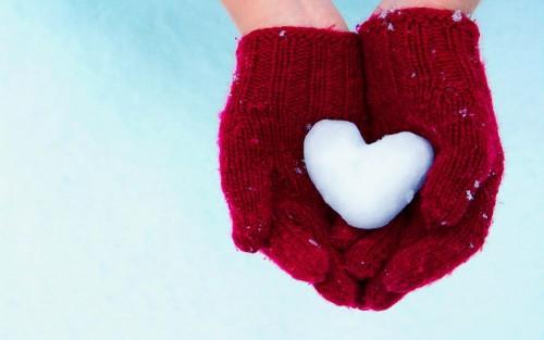 Sirsnīgie uzņēmumu un biedrību nosaukumi: Īsta mīlestība gaida, jo pasaulē atvērta sirds valda