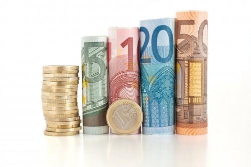 Kuras nozares valsts budžetam pērn nodrošinājušas lielākos nodokļu ieņēmumus?