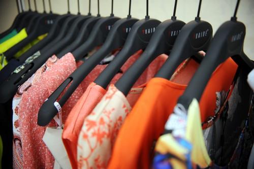 Tekstilizstrādājumu un apģērbu ražošanas nozares mazākie uzņēmumi jau ilgstoši strādā ar zaudējumiem