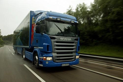 No nākamā gada janvāra palielinās akcīzes nodokli degvielai; lielāks būs arī ceļa nodoklis kravas auto