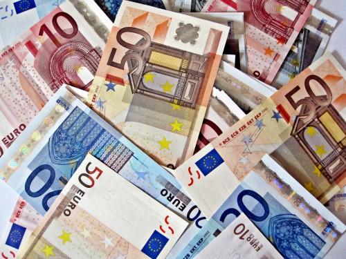 """Miljonāru saraksta līderpozīcijas saglabājuši AS """"ABLV Bank"""" īpašnieki"""