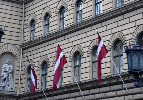 Cik sekmīgi ir Saeimas deputātiem un ministriem piederošie uzņēmumi?