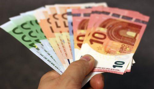 Nebanku kreditēšanas nozares uzņēmumu kopējā peļņa pērn pārsniegusi 90 miljonus eiro