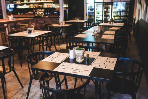 47% ēdināšanas sektorā strādājošo uzņēmumu pēdējā pusgada laikā bijis nodokļu parāds