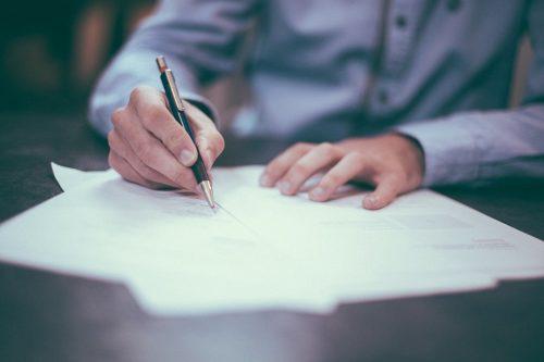 Nesaņemta dokumenta dēļ uzņēmumam tiek apgrūtināta saimnieciskā darbība