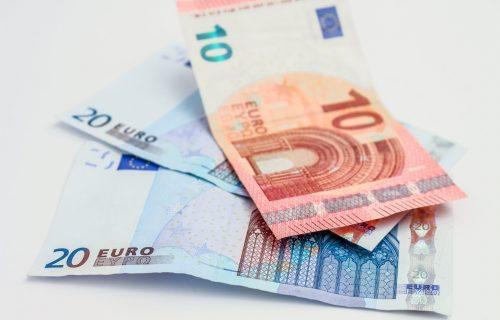 Vidējais nodokļu parāds – 1872 eiro